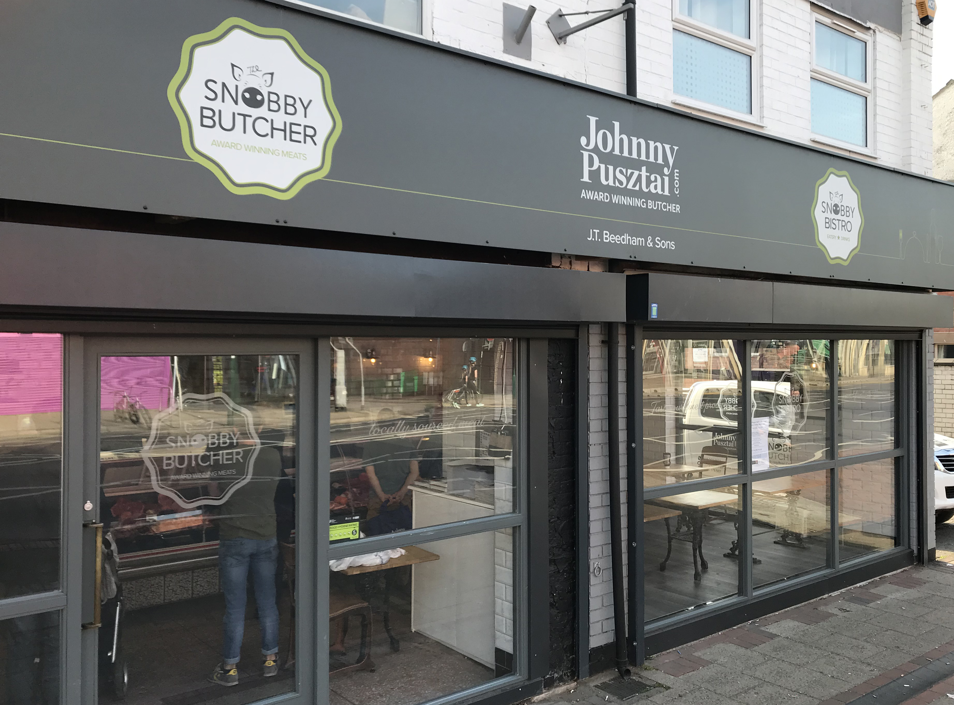 New Snobby Butcher Bistro Opens